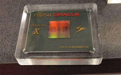 SPARC64 Xのウエハを切り出したもの