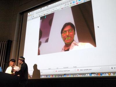 日米共同チームの1つが開発したEmotional Health。ボストンチームがデータ集め・クレンジング,東京チームがWeb開発・API作成を行うといった形で分担したそう