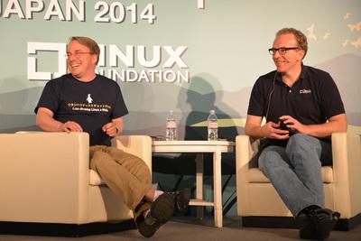 安定のコンビ,Linus TorvaldsさんとDirk Hohndelさん(右)
