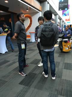 Hadoopコミッタは会場のどこでも声をかけられすぐにディスカッション。日本から参加の小沢PMC,鯵坂PMCも各国の参加者から大人気でした。