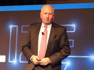 写真3 米国Dell EMC サービスおよびIT担当プレジデント ハワード・エライアス氏