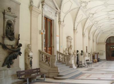 ウイーン大学の回廊(2)