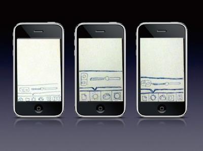 iPhone画面に付箋を貼り付けたペーパープロトタイピング