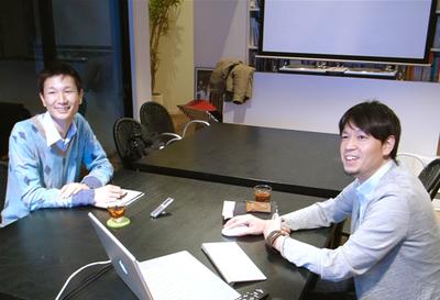 新野(左),小池博史 さん(右)