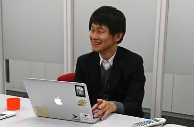 ディスカッション中の岩崎正剛氏