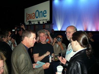 2008年の「JavaOne」にて,Scott McNealy氏,Rich Green氏,Jonathan Schwartz氏と。