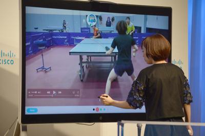 Cisco Sparkのホワイトボード機能を使うことで,インタラクティブなマーキングやコミュニケーションが取れ,過去の練習や試合のビデオを使ってディスカッションすることも可能となる