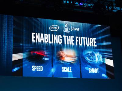 データ処理は,より高速に,よりスケーラブルに,よりスマートになる