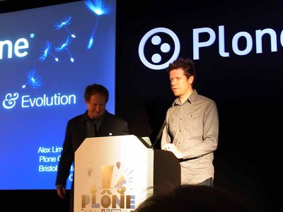 Alan Runyan氏(左)とAlexander Limi氏
