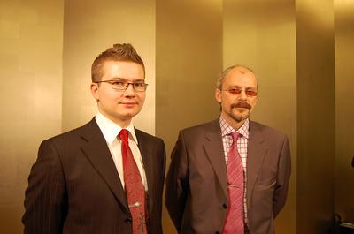 Kaspersky Labウィルス研究所 所長Stanislav Shevchenko氏(右),ウィルスアナリストVitaliy Kamlyuk氏(左)
