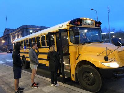 黄色スクールバス