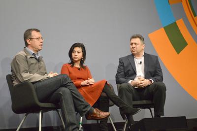 Neha Narkhede氏(中央),Ion Stoica氏(左)が登壇した「Building the data framework for tomorrow's apps」と題されたセッション