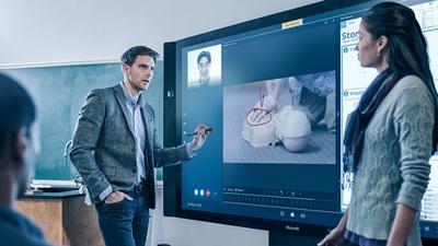 Surface Hub(写真提供:日本マイクロソフト)