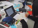 (右)MESHの外装やアイデアのビジュアルを考えるデザインチーム