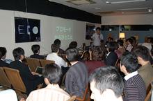 会場は満員。定員40名のところ,61名も参加してくださり,ベランダからの立ち見も出る盛況ぶりでした。